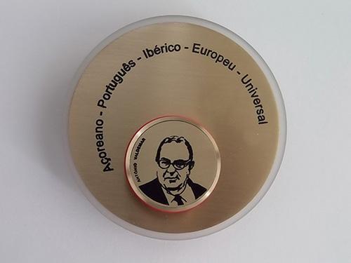 Medalha em homenagem ao Investigador António Valdemar